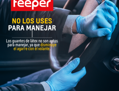 conducir con guantes de látex